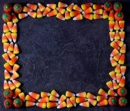 糖味玉米和南瓜糖果 顶视图,拷贝空间 免版税图库摄影