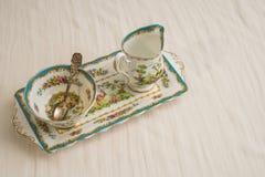 糖和牛奶骨瓷集合 库存图片