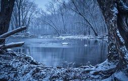 糖小河在冬天 免版税库存图片