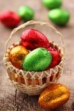 糖果五颜六色的复活节彩蛋 免版税库存图片