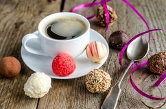 糖果和咖啡 免版税库存照片