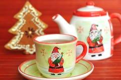 糖果圣诞节杯子冷杉装饰品罐茶 库存照片
