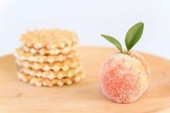 糖果在白色隔绝的木板材结果实 免版税库存图片