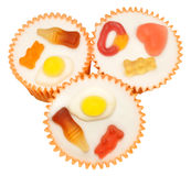 糖果装饰了杯形蛋糕 库存照片