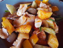 糖醋海鲜,泰国食物 免版税图库摄影