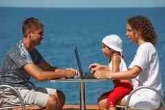 系列人休息的海运三 免版税库存照片