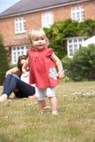 系列庭院家庭一起使用 免版税库存图片