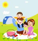 系列愉快的野餐 爸爸、妈妈、儿子和女儿休息本质上 在一个平的样式的传染媒介例证 库存例证