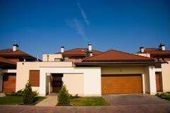 系列房子唯一黄色 免版税库存照片
