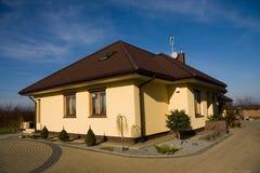 系列房子唯一黄色 免版税库存图片