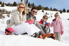 系列滑雪假期年轻人 图库摄影