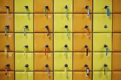 系列颜色,被编号衣物柜 库存图片