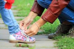 系带鞋子 图库摄影