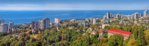索契,俄罗斯2015年8月30日:城市的看法黑海的 库存照片