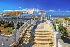索契,俄罗斯- 2015年10月28日:海滩建筑学 免版税库存图片