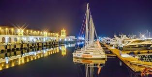 索契,俄罗斯- 2018年2月10日:海码头在晚上 库存图片