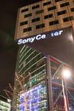 索尼中心在晚上,柏林,德国 免版税库存图片