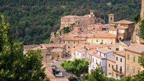 索拉诺,在凝灰岩岩石建设的镇,是一个多数beautifu 免版税库存图片