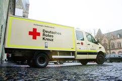 索斯特,德国- 2018年12月31日:德国红十字会卡车德语:Deutsches Rotes Kreuz 免版税库存图片