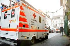 索斯特,德国- 2018年12月31日:德语德国红十字会救护车的汽车:Deutsches Rotes Kreuz 库存照片