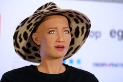 索菲娅有人的特点的机器人在Open在Skolokovo technopark的创新会议 库存图片
