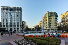 索非亚,保加利亚- 2017年8月11日:南方公园入口日落视图在市索非亚 免版税库存照片