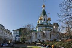 索非亚,保加利亚- 2018年3月17日:金黄圆顶俄国教会惊人的看法在索非亚 免版税库存照片