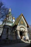 索非亚,保加利亚- 2018年3月17日:金黄圆顶俄国教会惊人的看法在索非亚 图库摄影