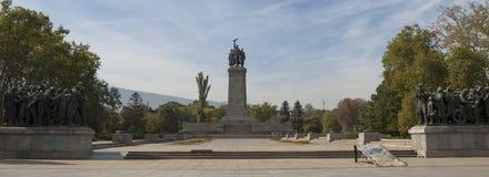 索非亚, libgrary,对苏联军队的纪念碑 库存图片