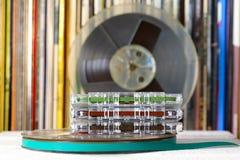 紧凑卡式磁带和卷轴磁带、媒介音乐的和声音 库存图片