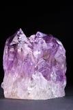 紫红色紫色的水晶 库存照片