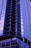 紫色摩天大楼 免版税库存照片