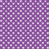 紫色无缝的蝴蝶图案,蝴蝶导航背景 向量例证