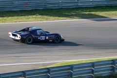 紫色第130历史的赛车 库存照片