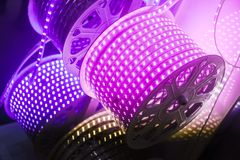 紫色被带领的灯传送带 库存图片