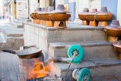 繁体中文热的罐的热化煤炭 免版税库存照片