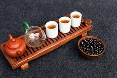 繁体中文茶道用黑醋栗、果子茶和健康食物 没有人的照片 夏天自然维生素和 免版税库存图片