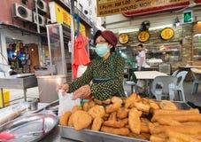 繁体中文食物被油炸的面团 库存图片