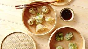 繁体中文饺子在木竹火轮服务 股票视频