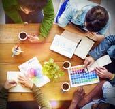 繁忙的人讨论起始的企业概念 免版税库存图片