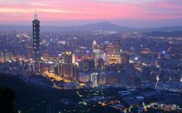 繁忙的台北市空中全景  图库摄影