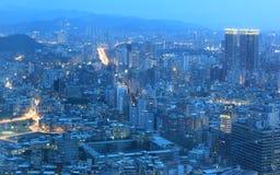 繁忙的台北市空中全景  免版税库存图片