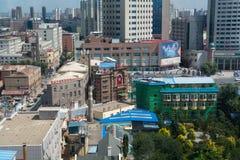 繁忙的城市视图从上面 免版税库存照片