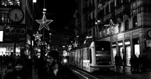 繁忙的夜在米兰 库存照片