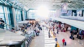 繁忙的机场乘客timelapse 影视素材
