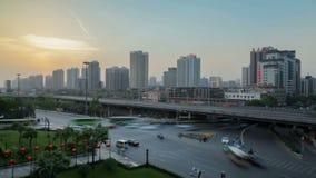 繁忙的汽车和火车在主路,xian,陕西,中国 股票视频