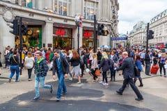 繁忙的牛津马戏在伦敦,英国 库存照片