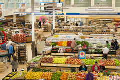 繁忙的超级市场场面 免版税库存图片