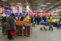 繁忙的超级市场 免版税库存照片