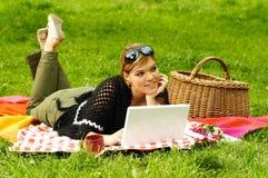 繁忙的野餐 免版税库存图片